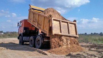 Купить песок с доставкой самосвалом в Минске